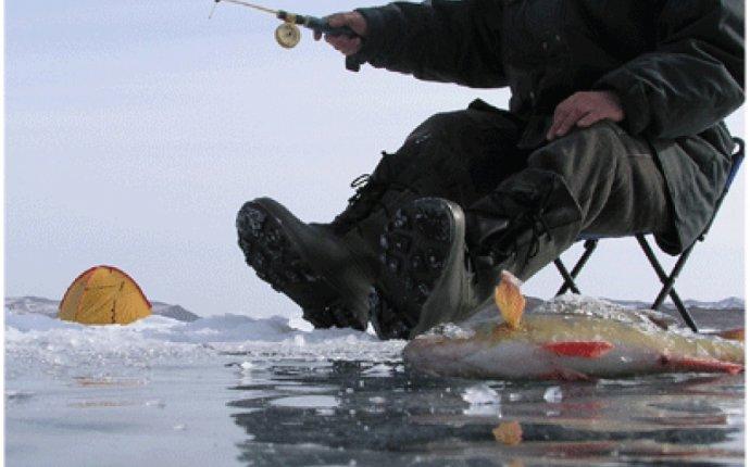 Экипировка рыбака для зимней